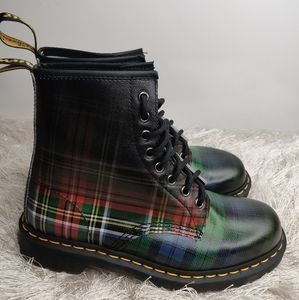 New Doc Martens Checkered Boots sz 9